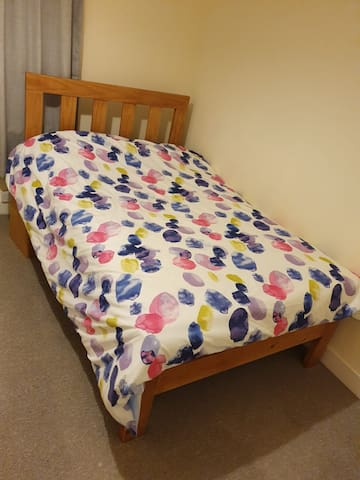 Clean double room  with double bed in shared home