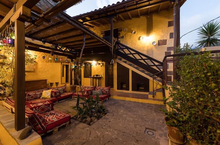 Bohemian Hideaway, La Labranza exotic retreat