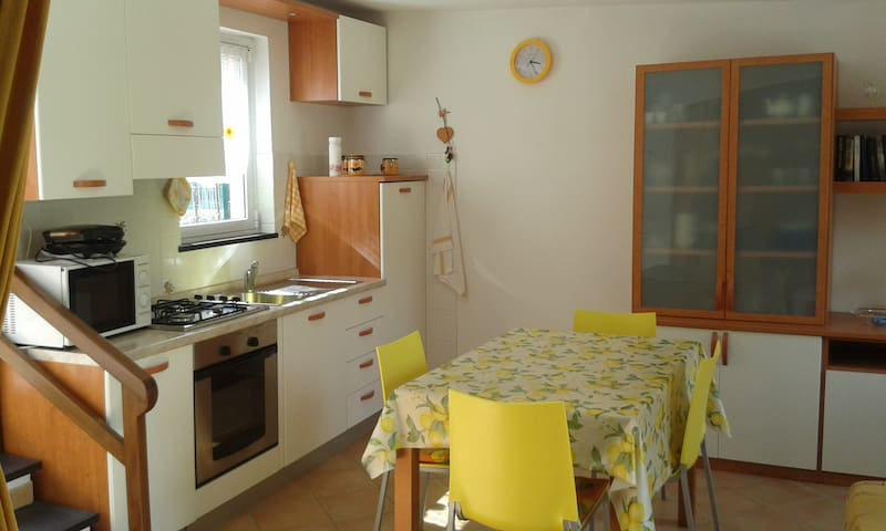 Nice independent house close to Cinque Terre - Moneglia - Hus