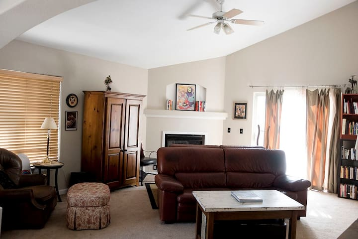 Beautiful New home - PERFECT for larger families! - Wheat Ridge - Huis