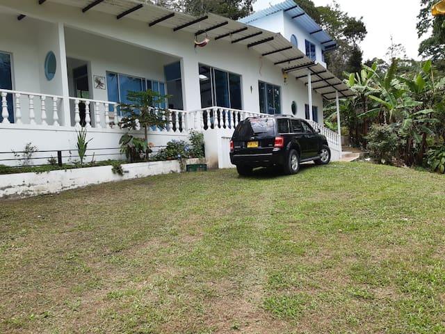 Villa Juanita, naturaleza, comodidad y descanso.