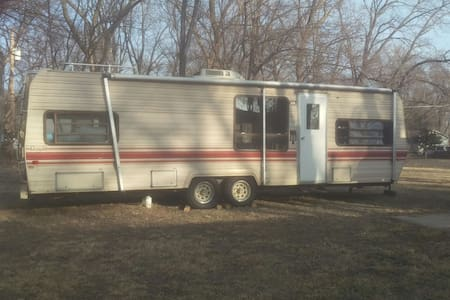 24 foot camper - Topeka - House