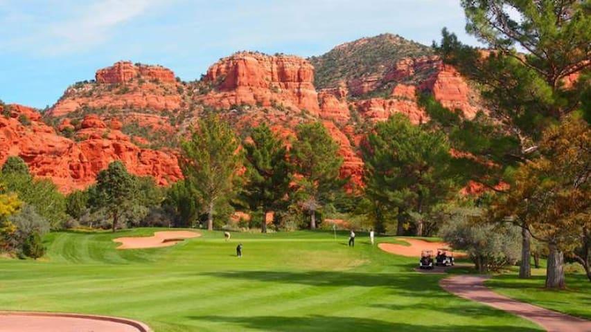 Sedona BELL ROCK, golf-pool-hot tub-fireplace-hike