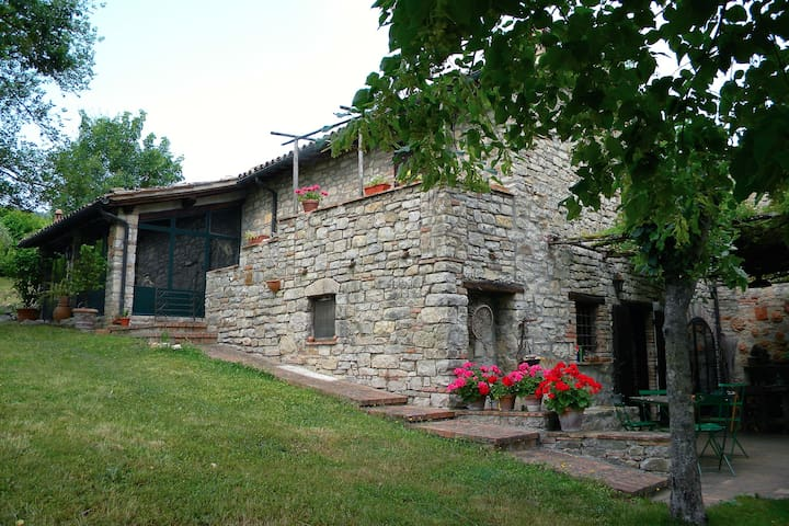 Charming villa in the rolling hills of Umbria - Monte Castello di Vibio - Daire