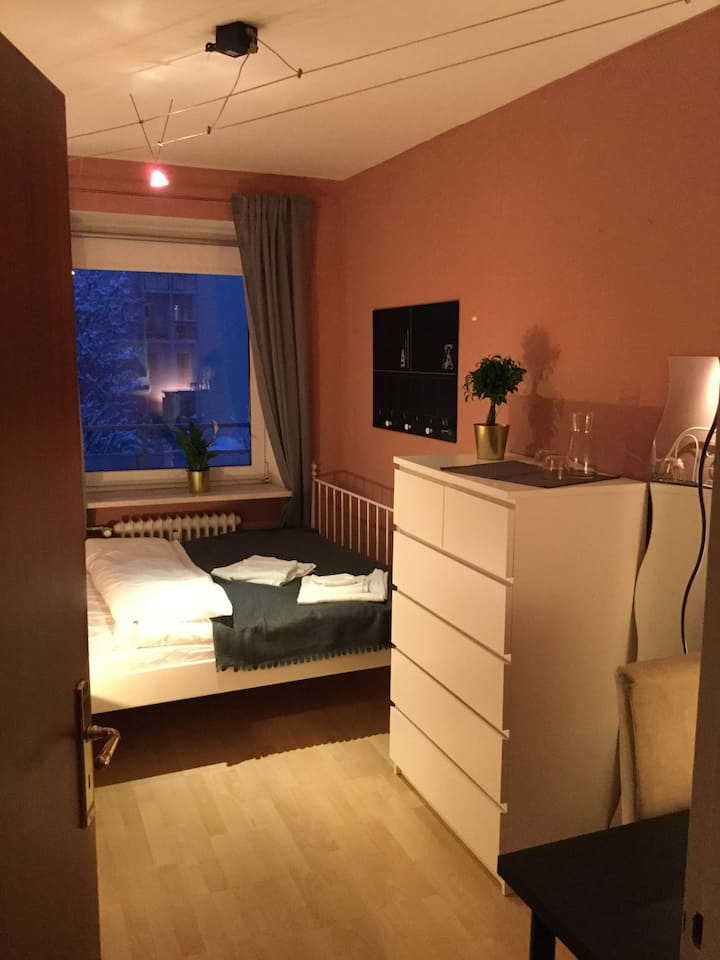 Cozy Room for 2 in Central Munich