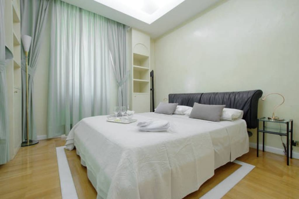 Welcome, this comfortable, large bed in a very cozy and private and silent room (all flat has double glaze windows) will make sure you will have sweet dreams!