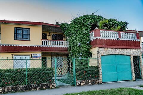 Villa Bosch & Yudi.Gran confort y hospitalidad..