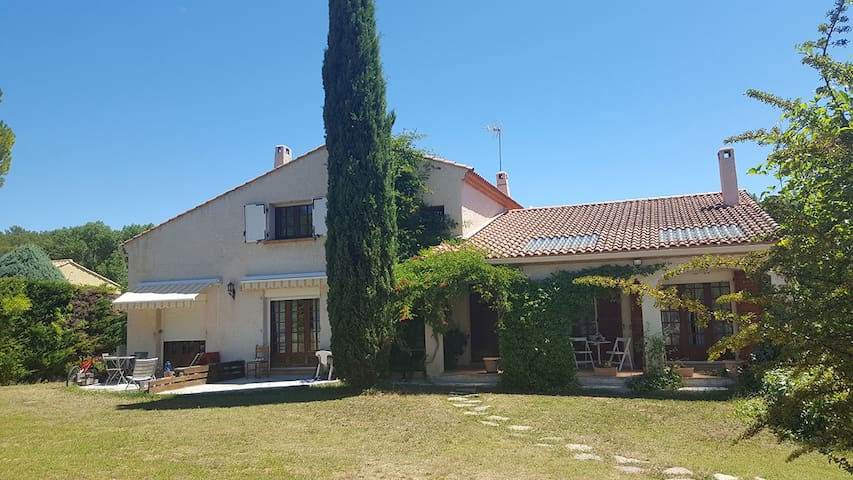 Ap. 2 pers. Calme, piscine, proche Montpellier&Mer