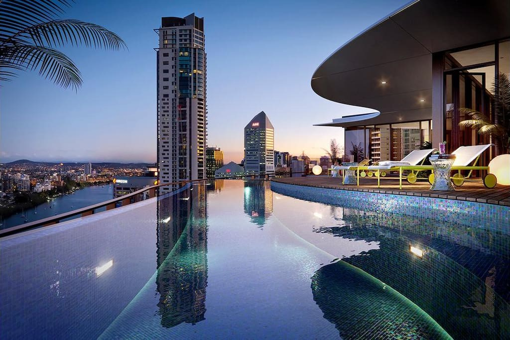 Infinity Pool and Rooftop Terrace