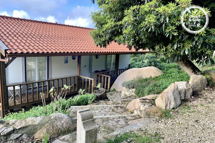 Secluded Charm Cottage in Quinta Velha