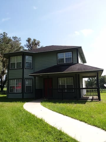 2 Story Home in The Heart of Florida Horse Country