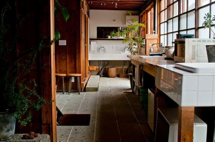 SARUYA - Twin Room #7 in Modern Traditional Hostel