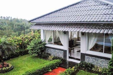 Villa Sekar Gunung Sewu