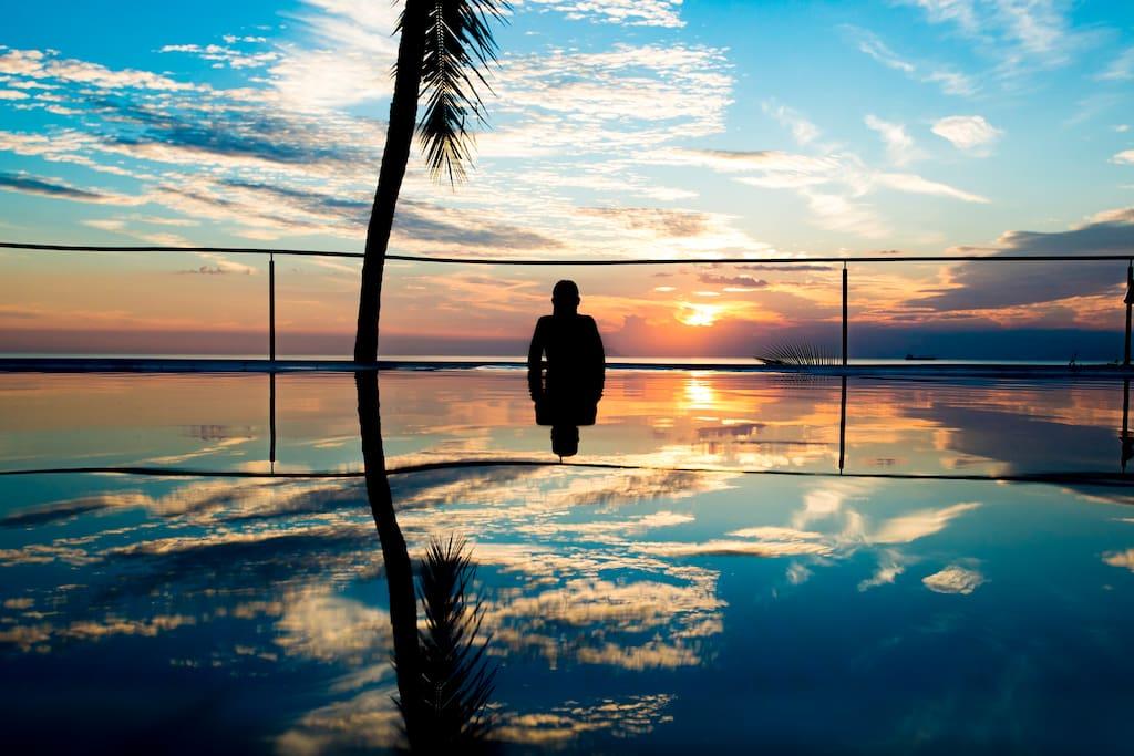 sunset at swimmig-pool