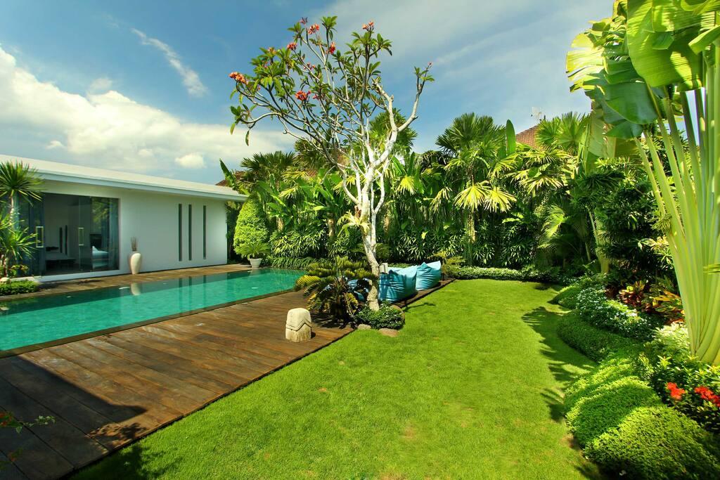 Villa Bahia garden