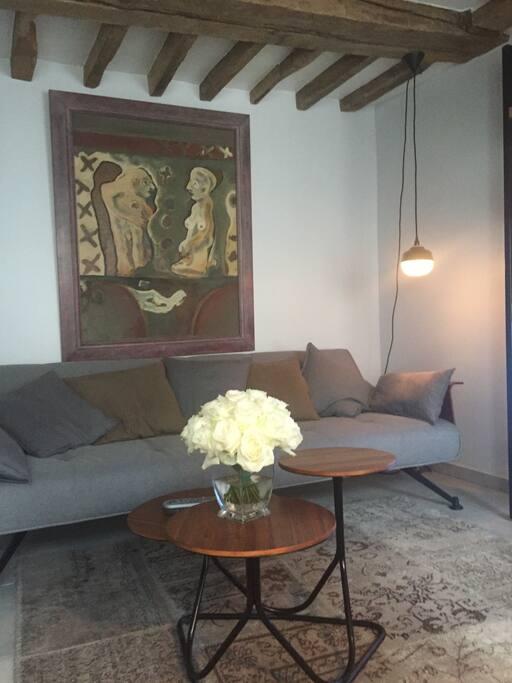 appartement haut marais flats for rent in paris le de france france. Black Bedroom Furniture Sets. Home Design Ideas