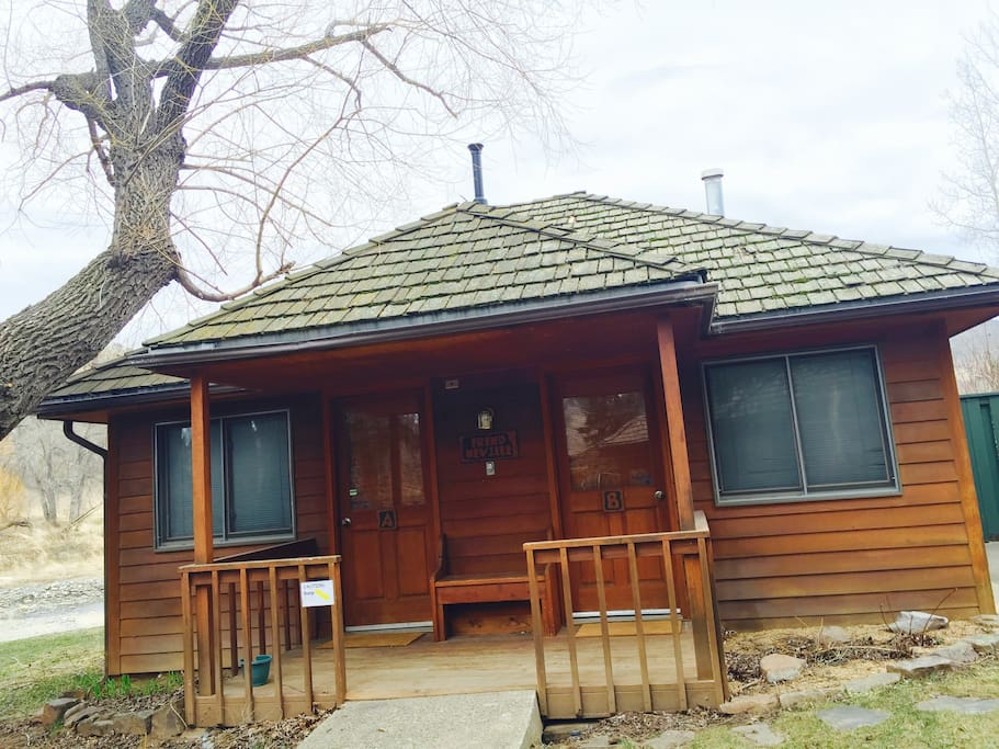 Frend neville a cozy ranch cabin near the river for Loveland co cabin rentals