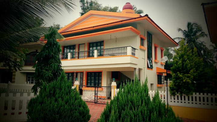 CasaBlanca: 4 Bed Independent Villa in South Goa