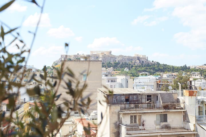 The shared rooftop terrace on the 6th floor, offering a magnificent direct Acropolis view!