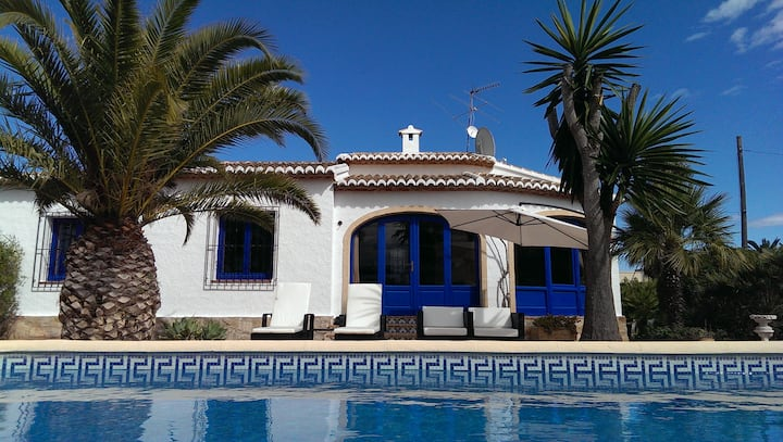 Private Villa With Heated Pool