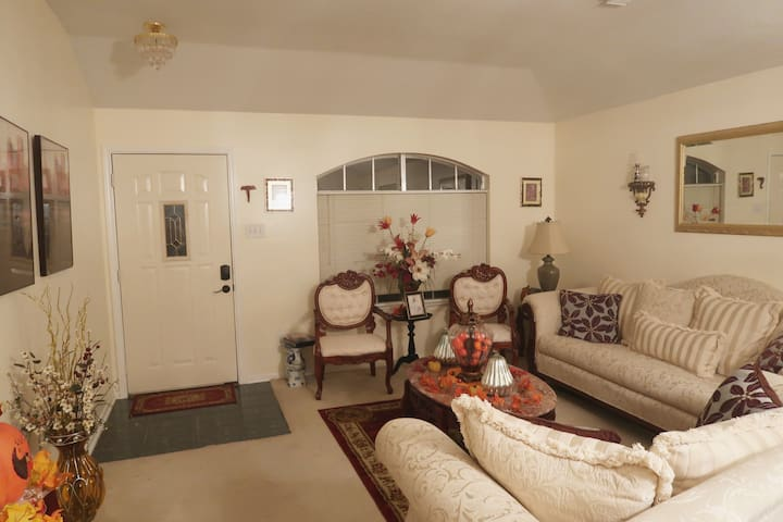 Plush Southern Bed and Breakfast