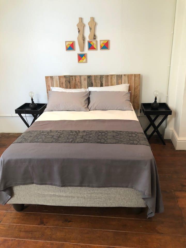 Beautiful en-suite private room