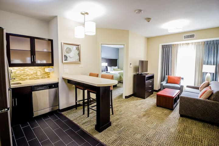 Suite with Roll in Shower | Free Wi-Fi and Free Breakfast