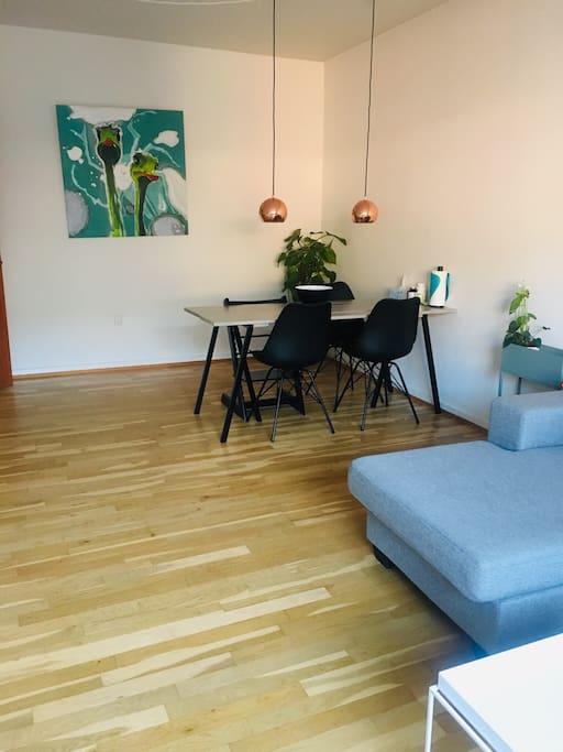 Spisebord i stuen