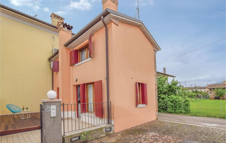 Semi-Detached with 1 bedroom on 90m² in Mosnigo di Moriago -TV