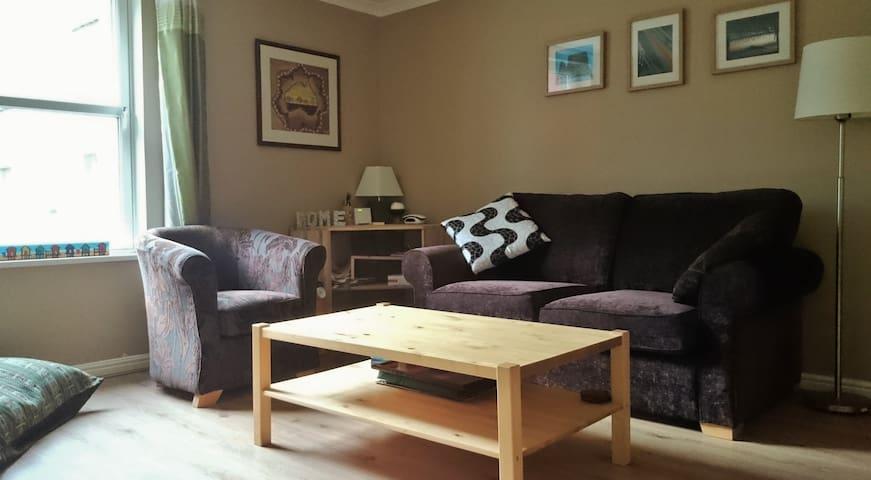 3 bedroom/6 person flat by the Shore - Edimburgo - Apartamento