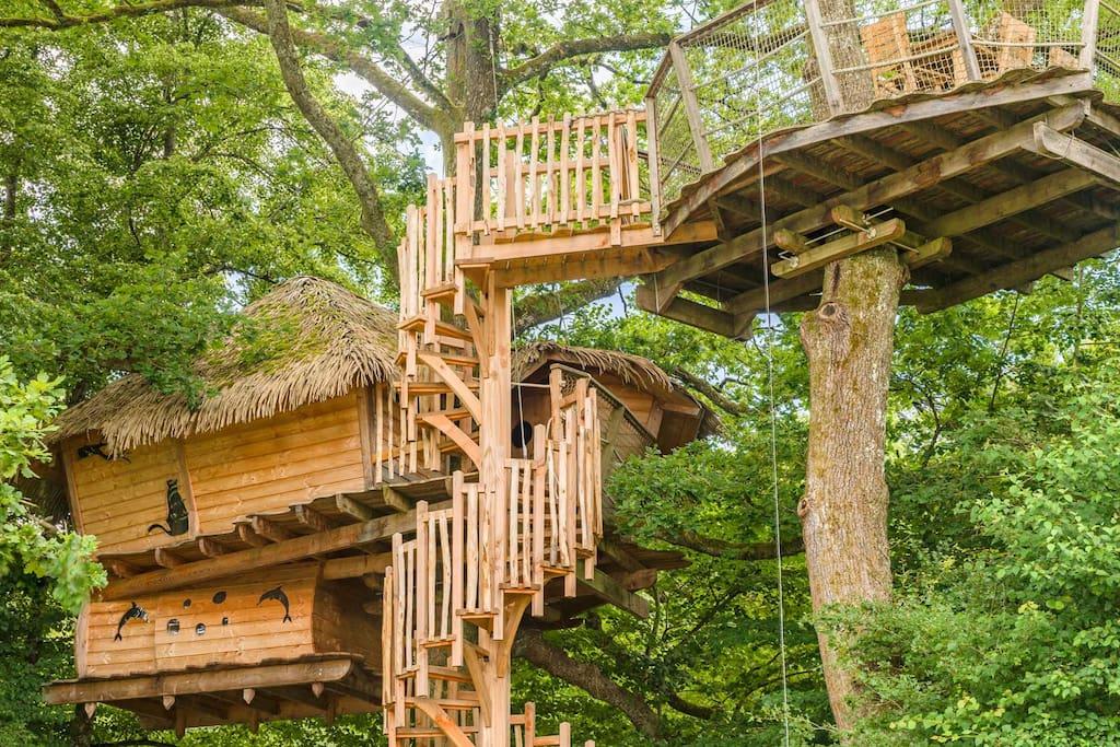 cabane atlantide pour 5 personnes cabanes dans les arbres louer chassey l s montbozon. Black Bedroom Furniture Sets. Home Design Ideas