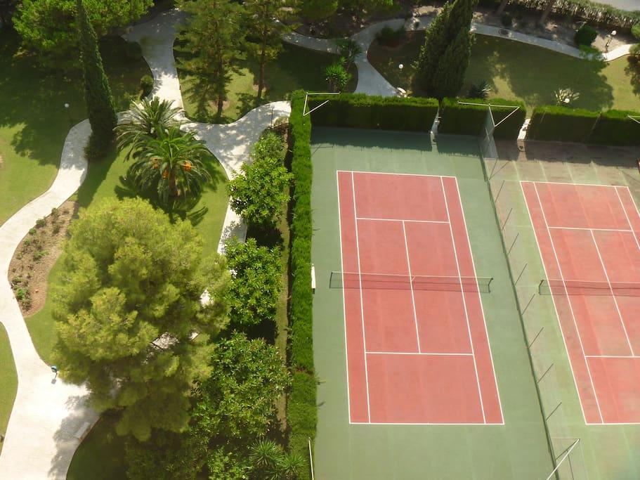 Pistas Tenis/Tennis Courts