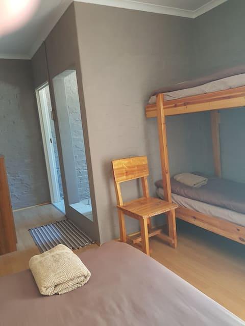 Denmark Farm Stay - 3 bed Dorm Room