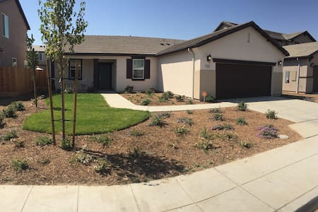 Verde Mesa Home | Yosemite/Sequoia Private 1BD/1BA - Madera - Hus