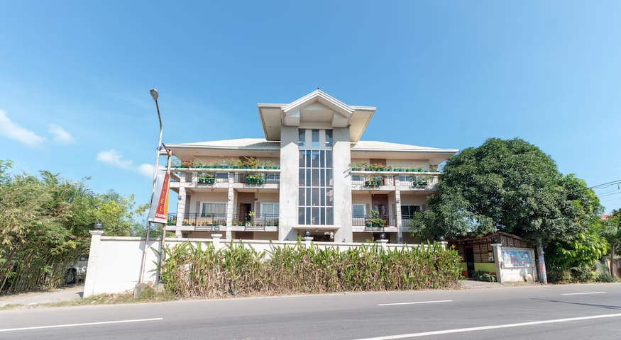 443 RedDoorz near Manlurip Rotonda Tacloban
