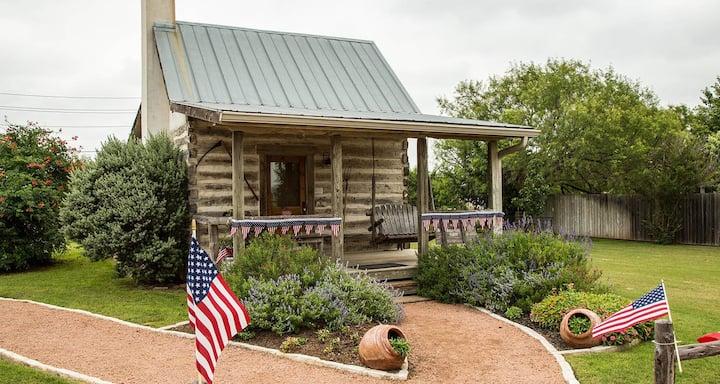 Bollinger Cabin - Chuckwagon Inn