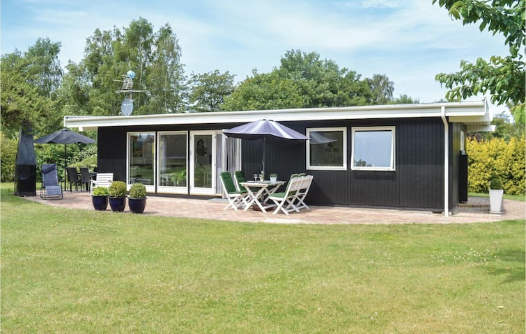 Holiday cottage with 3 bedrooms on 60m² in Græsted