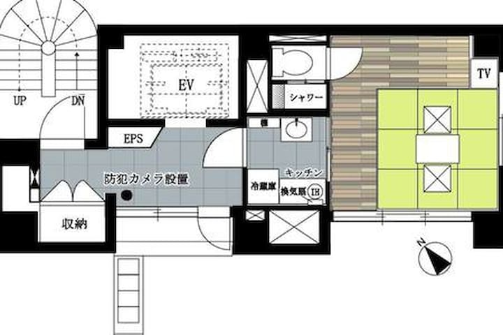Planar view of the 7th floor: The bedroom's area is about 14.59㎡. There is a lockable storage space for guests on the left side of the elevator hall.  7楼平面图:卧室面积约14.59平方米。 电梯大厅左侧为客人提供可上锁的储物空间。7階平面図とお部屋の間取り ベッドルームスペースは8畳で、EVホール西側には施錠可能な収納スペースあり