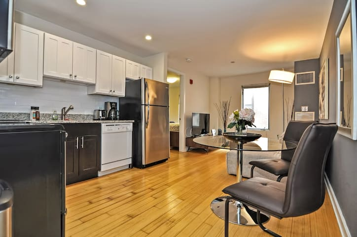 Boston Commons Condos 1BD 4