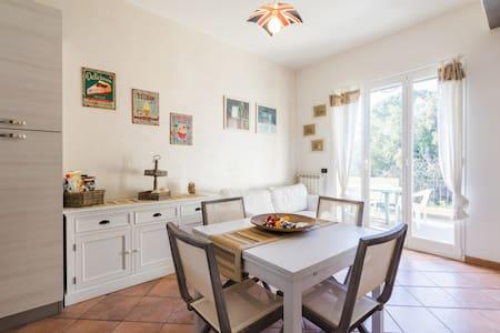 Appartamento ai confini di Alassio - Albenga - Lejlighed