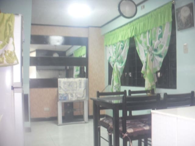 Wee's crib 2 bedroom and 1 bath condominium unit
