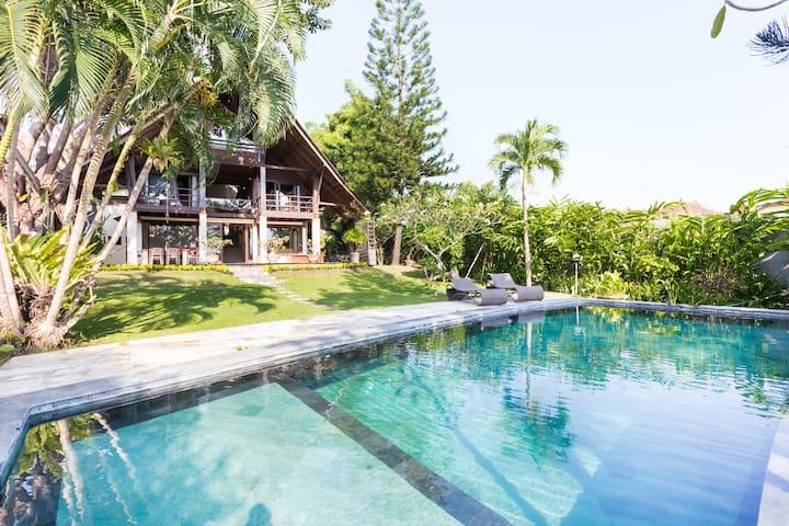Luxury Indonesian Villa Puri Burung, Canggu Bali - Denpasar - Rumah