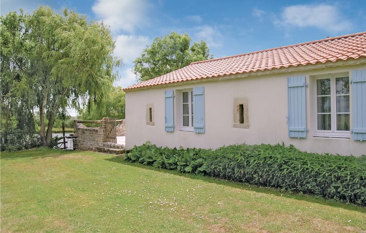 Holiday cottage with 3 bedrooms on 109m² in Grues