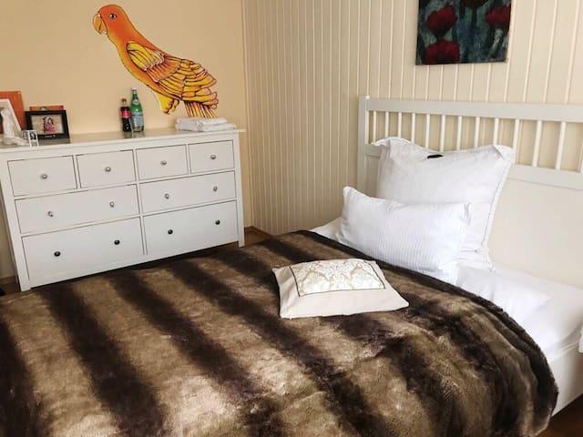 Kleines Doppelzimmer auf der ersten Etage/bedroom 1st floor