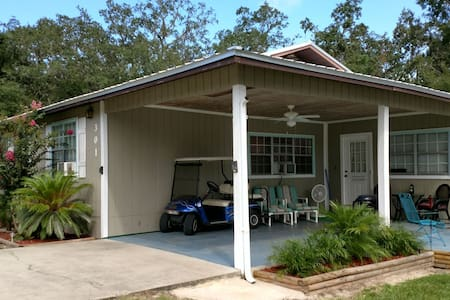 Steinhatchee King/Queen  2 bdrm/1ba, Full kitchen!