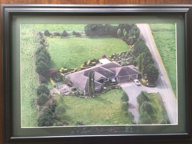 Air view of the entire property.
