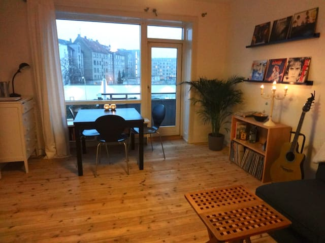 Cozy apparment close to Nørrebro St