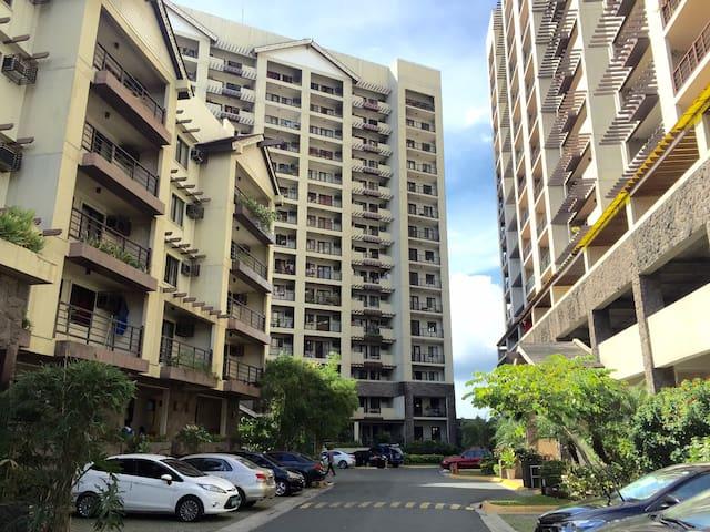 2 brm Raya Garden Condo - Merville, Paranaque City - Apartament