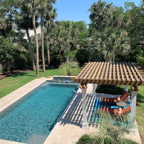 Luxury Beach house w/ custom pool, steps to ocean