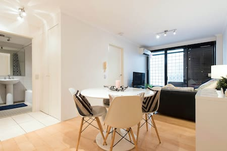 Perfectly located Darlo apartment - Surry Hills - Apartment